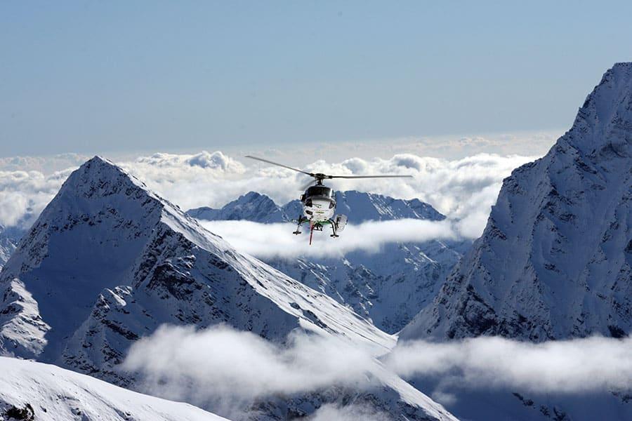 swisskisafari-helicopter