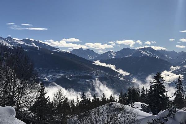 Luxury heli skiing in the Alps
