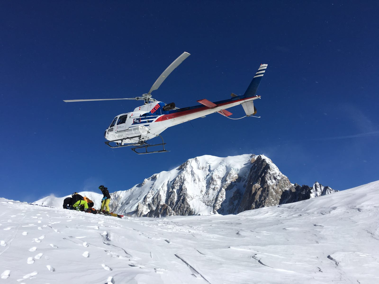 Heli-skiing in Switzerland - Swisskisafari