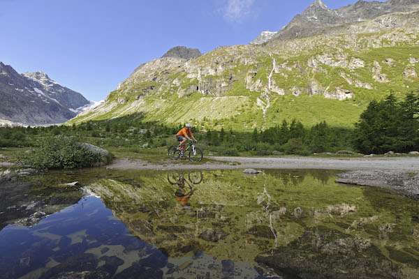 Mountain-biking-in -the-Alps-Swisskisafari