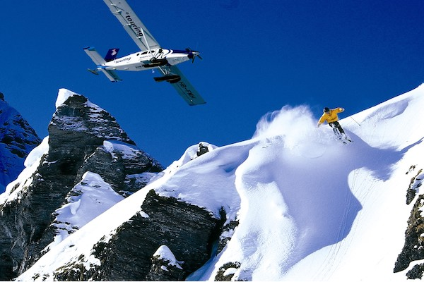 James-Bond-Ski-Holiday-Swisskisafari