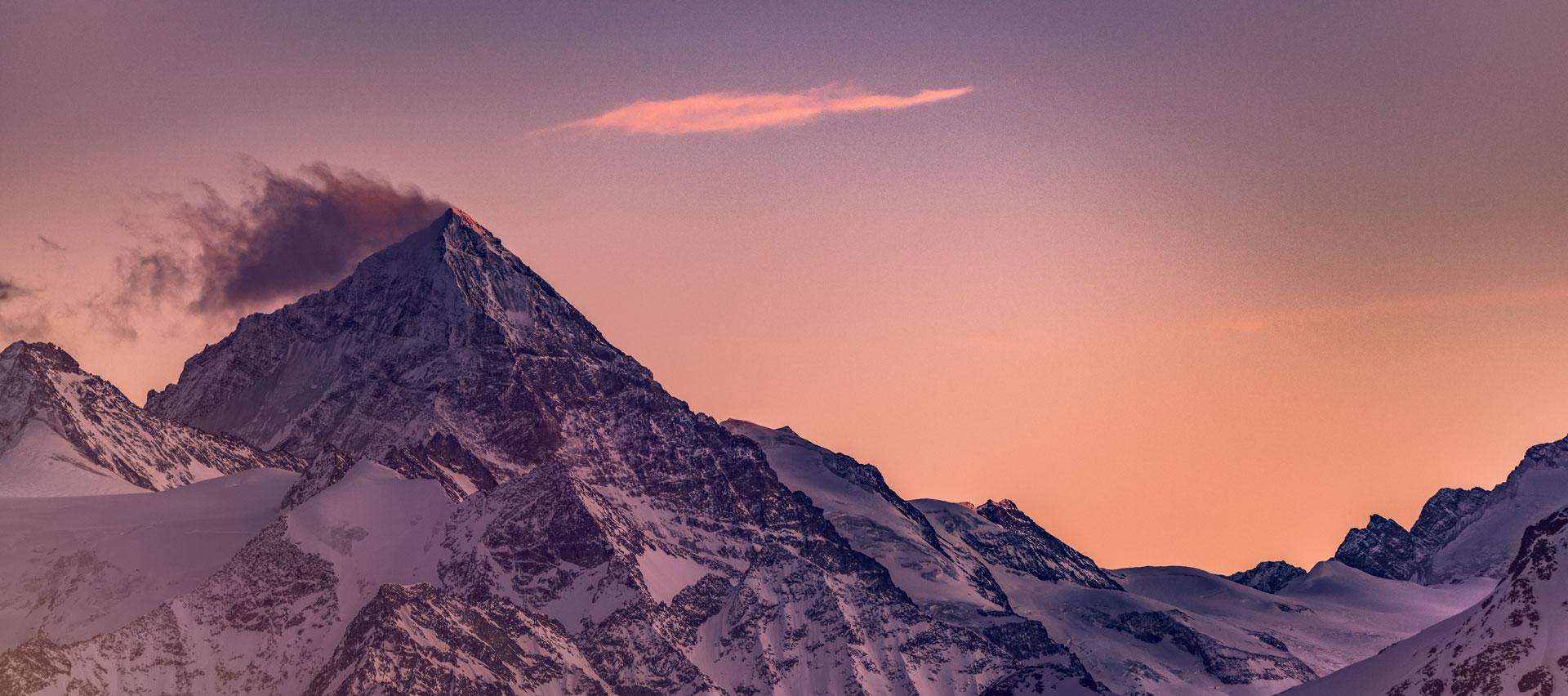 Luxury-Hiking-Safari-in-Summer-with-Swiss-Ski-Safari