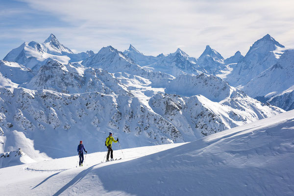 Uphill-skiing-ski-touring-Swisskisafari