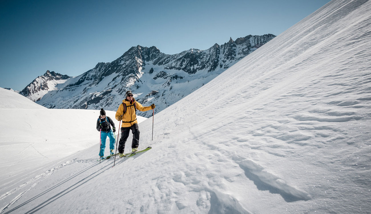 private guided heli ski trips in the Swiss Alps with Swiss Ski Safari