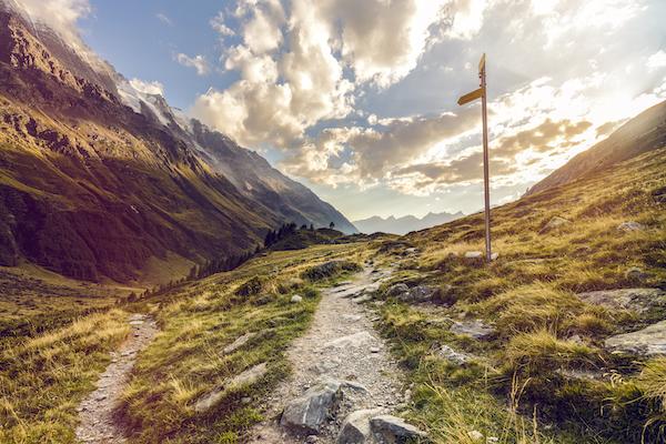 Hiking-Vacations-in-Switzerland-with-Swisskisafari