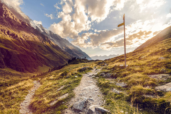 Hiking-Vacations-in-Switzerland-with-Swisskisafari