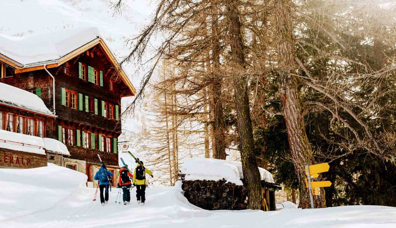 Luxury-Guide- Ski-&- Snowboarding-Vacations-Swisskisafari