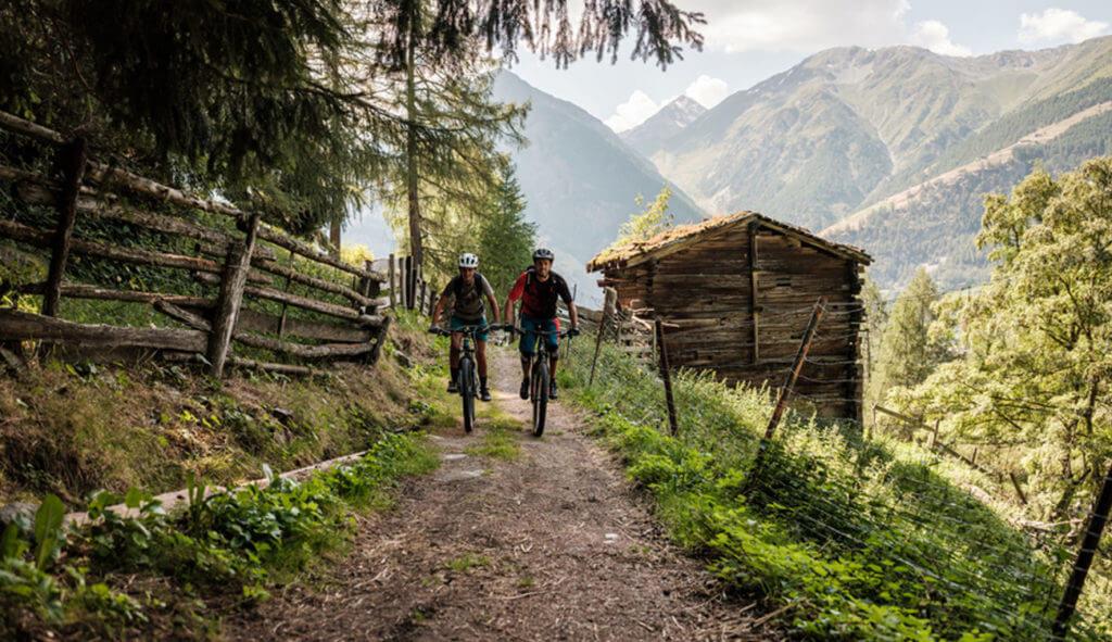 Luxury-Mountain-Biking-Vacations-Swisskisafari