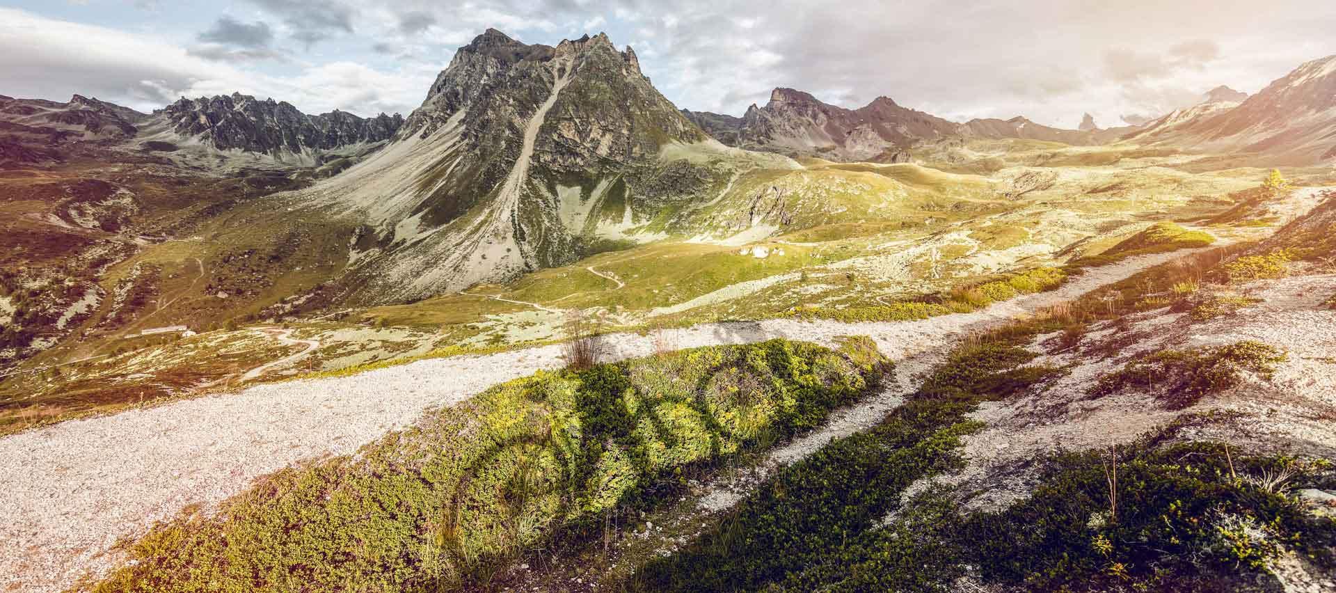 Luxury-Guided -Mountain-Adventure-with-Swiss-Ski-Safari